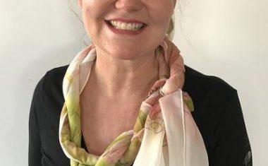 Tie a scarf with a twist
